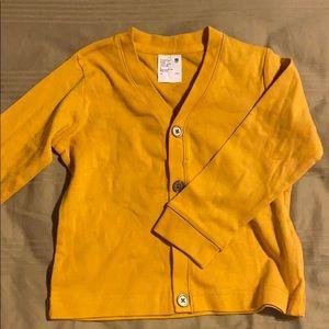 Uniqlo shirt size 3T